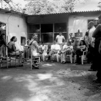 2004-06-picchetto-antisgombero-fortifiocca-06-con-associazioni
