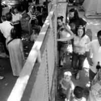 2004-06-picchetto-antisgombero-fortifiocca-08-ufficiale-g-e-vigili-urbani